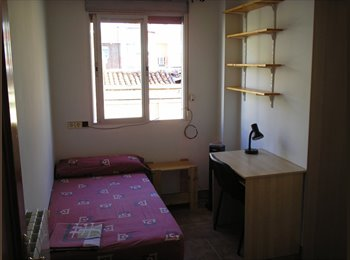 Room for rent. Student. Terraza, barbacoa, Erasmus