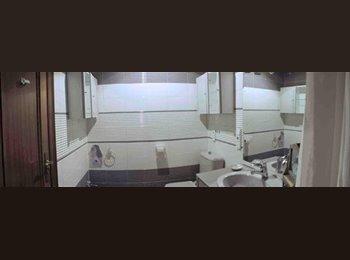EasyPiso ES - Se busca compañera de piso para el curso 2015/2016 - Centro Ciudad, Granada - 330 € por mes