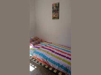 EasyPiso ES - busco compañera - Sants-Montjuïc, Barcelona - 350 € por mes