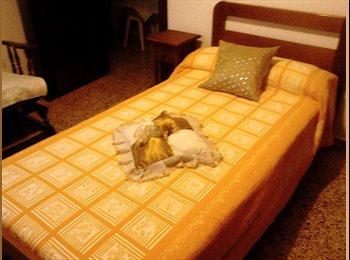 EasyPiso ES - Habitación en alquiler para profesionales - San Bernardo - Carmelitas, Salamanca - 300 € por mes