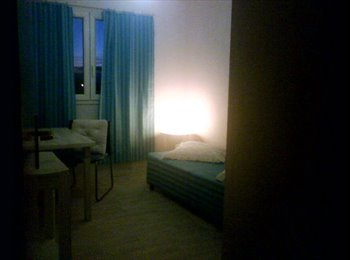 Appartager FR - LOUE CHAMBRES DS T4 - Grenade, Toulouse - 295 € / Mois