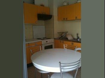 Appartager FR - Bel appartement lumineux et propre - Nîmes, Nîmes - 270 € / Mois