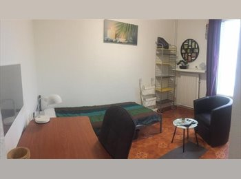 Appartager FR - APPARTEMENT EN COLOCATION (4 Chambres) - Grands boulevards, Grenoble - 340 € / Mois