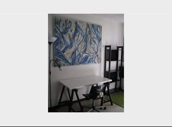 Appartager FR -  ARTISTE PROPOSE  BELLE CHAMBRE MEUBLER - Croix-d'Argent, Montpellier - 350 € / Mois