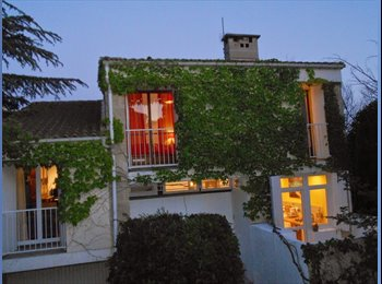 Appartager FR - Chambre dans villa, calme, proche Aix-Centre - Aix-en-Provence, Aix-en-Provence - 450 € / Mois