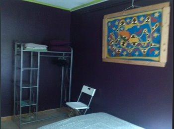 Appartager FR -  ARTISTE LOUE BELLE CHAMBRE - Croix-d'Argent, Montpellier - 350 € / Mois