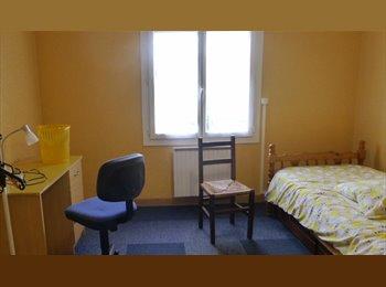 Appartager FR - colocation proche du campus marne la vallee - Noisy-le-Grand, Paris - Ile De France - 420 € / Mois