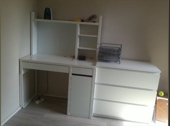 Chambre à louer dans un appartement (colocatrice)