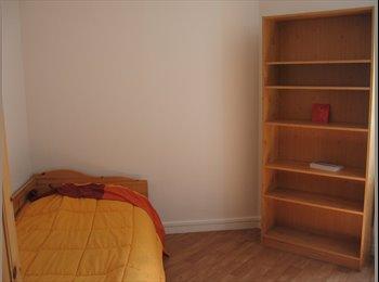 Appartager FR - chambre meublée dans T3 Europole - Europole, Grenoble - 400 € / Mois