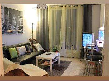Appartager FR - une chambre dispo dans une coloc a 3 - Saint Cyprien, Toulouse - 350 € / Mois