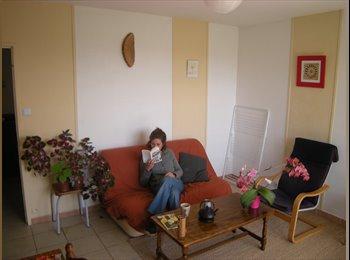 Appartager FR - Coloc calme et conviviale - Fontaine, Grenoble - 200 € / Mois