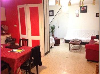 Appartager FR - 1 chambre dispo dans Coloc aux Chartrons - Grand Parc Chartrons, Bordeaux - 400 € / Mois