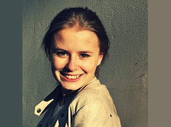 Celya - 18 - Etudiant