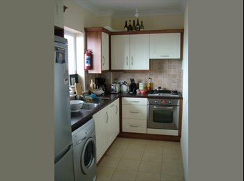 Double room available in luxurious house