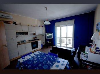 EasyStanza IT - Appartamento ristrutturato - Stanza doppia - Carassi-Mungivacca, Bari - € 200 al mese