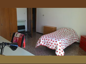 EasyStanza IT - stanza singola per studentessa, parco2giugno - Carassi-Mungivacca, Bari - € 250 al mese