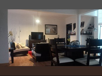Casa con cuarto en excelente ubicación