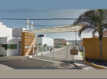 CompartoDepa MX - RENTO CUARTO PARA MUJER - Delegación Epigmenio González, Querétaro - MX$2,600 por mes