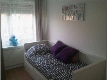 Kamer aangeboden / Room for rent