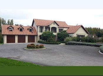 NZ - Mediterranean style villa - Marshland, Christchurch - $200 pw