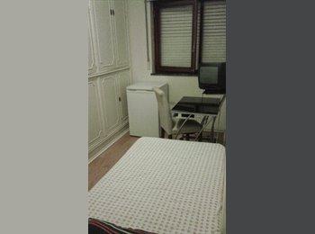 EasyQuarto PT - Aluga-se quarto para moças estudantes - Estoril, Lisboa - 250 € Por mês