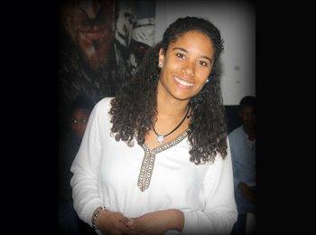 Liliana - 18 - Estudante
