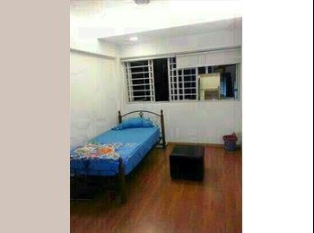 EasyRoommate SG - room for rent - Queenstown, Singapore - $1,000 pcm