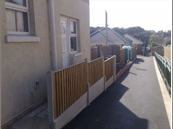 EasyRoommate UK - 1 large double room in BH11 area - Kinson, Bournemouth - £420 pcm