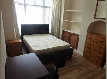 EasyRoommate UK - sociable professional houseshare needs new housemate - Edgbaston, Birmingham - £385 pcm