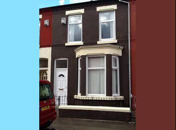 EasyRoommate UK - 2 bedroom available in house off Smithdown Rd L15 - Wavertree, Liverpool - £238 pcm