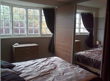 EasyRoommate UK - Elegant double room in spacious house - Patcham, Brighton and Hove - £500 pcm