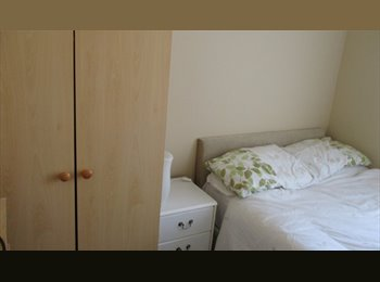EasyRoommate UK - Single room in gay house Workers only £65 pw - Blackpool, Blackpool - £282 pcm