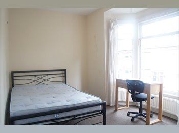 Professional House Share - £310 pcm inclusive