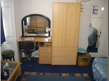 Clifton SINGLE big room to rent in a flat