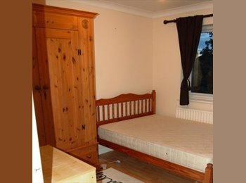 EasyRoommate UK - Young Professionals To Share House Near Maidenhead - Maidenhead, Maidenhead - £475 pcm