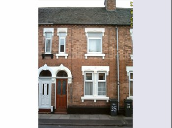 EasyRoommate UK -  CLEAN DOUBLE ROOM AVAILABLE IN HAYWOOD ST ST4 2RB - Stoke-on-Trent, Stoke-on-Trent - £235 pcm