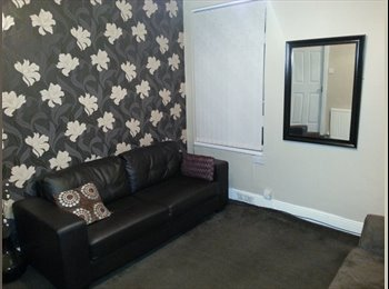 EasyRoommate UK - ROOM READY - Hillfields, Coventry - £300 pcm