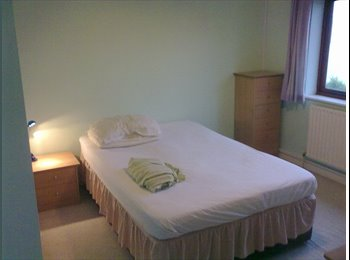 EasyRoommate UK - Large Double Room in North Bersted, Bognor Regis - Bognor Regis, Bognor Regis - £390 pcm