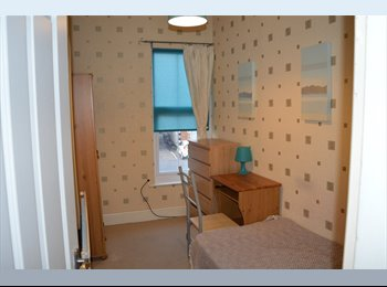EasyRoommate UK - Spacious, large house with FREE unlimited internet - Alvaston, Derby - £360 pcm