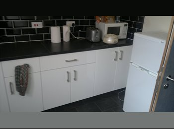 1 large double room in refusbished accommodation