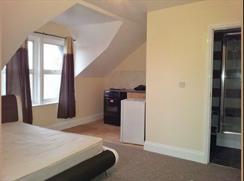 Newly refurbished studio flat available 18/4/15.
