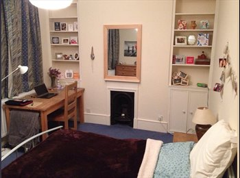 EasyRoommate UK - Large sunny double room in friendly 2 bed flat N19 - Archway, London - £650 pcm