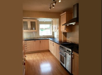 EasyRoommate UK - Immaculate fully furnished, 4 double bedroom House - Fishponds, Bristol - £395 pcm