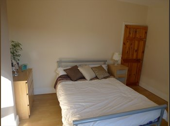 EasyRoommate UK - 6 HUGE bedrooms to let in a gorgeous house - Loughborough, Loughborough - £277 pcm