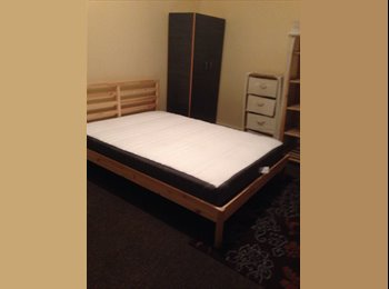 Large Double Room to Let in East London
