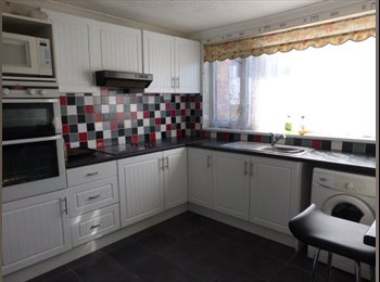EasyRoommate UK - LAST TWO DOUBLE ROOMS - AVAILABLE NOW! - Grimsby, Grimsby - £300 pcm