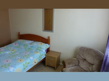 EasyRoommate UK - To let 1 double bedroom, close to Ashford town cen - Ashford, Ashford - £400 pcm