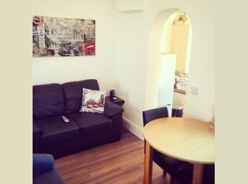 EasyRoommate UK - *** THE BEST PROFESSIONAL HOUSE IN KETTERING *** - Kettering, Kettering - £480 pcm
