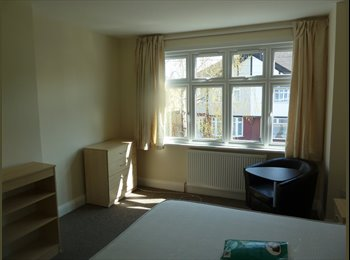 Nice, safe, very clean double room in Zone 3