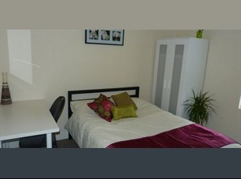 EasyRoommate UK - Rooms to rent close to cov uni - Gosford Green, Coventry - £375 pcm